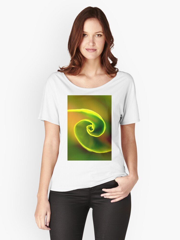 unfolding of a leaf Women's Relaxed Fit T-Shirt Front
