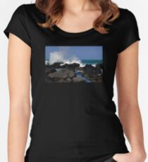 Causeway Waves Women's Fitted Scoop T-Shirt
