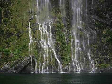 Waterfall  by snoopidoops