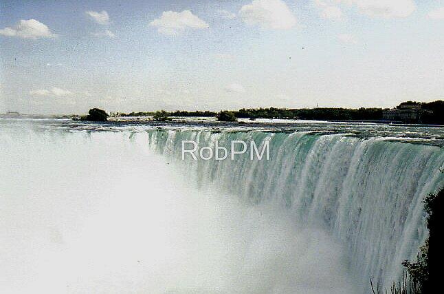 Niagra Falls by RobPM