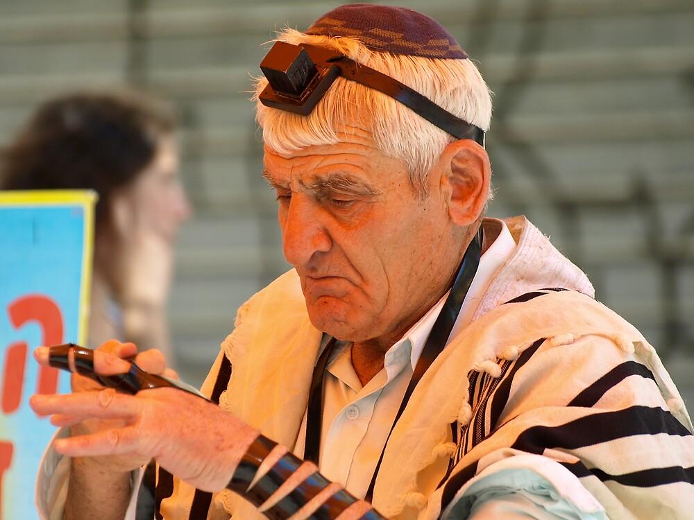 On ben Yehuda street 12 by MichaelBr