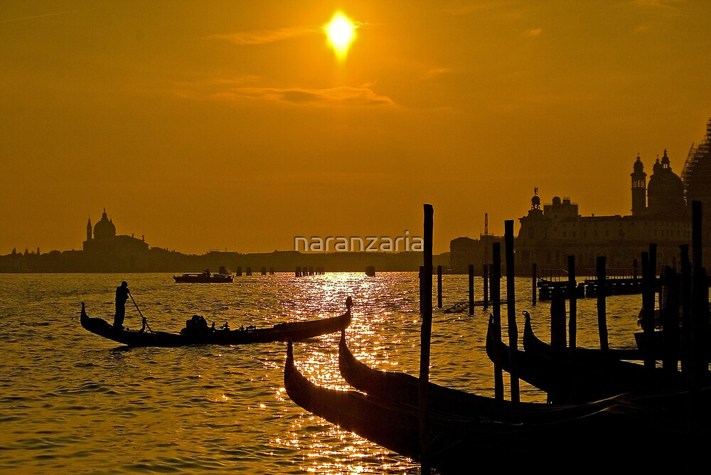 Sunset over the lagoon by naranzaria