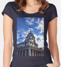 Greenwich Women's Fitted Scoop T-Shirt