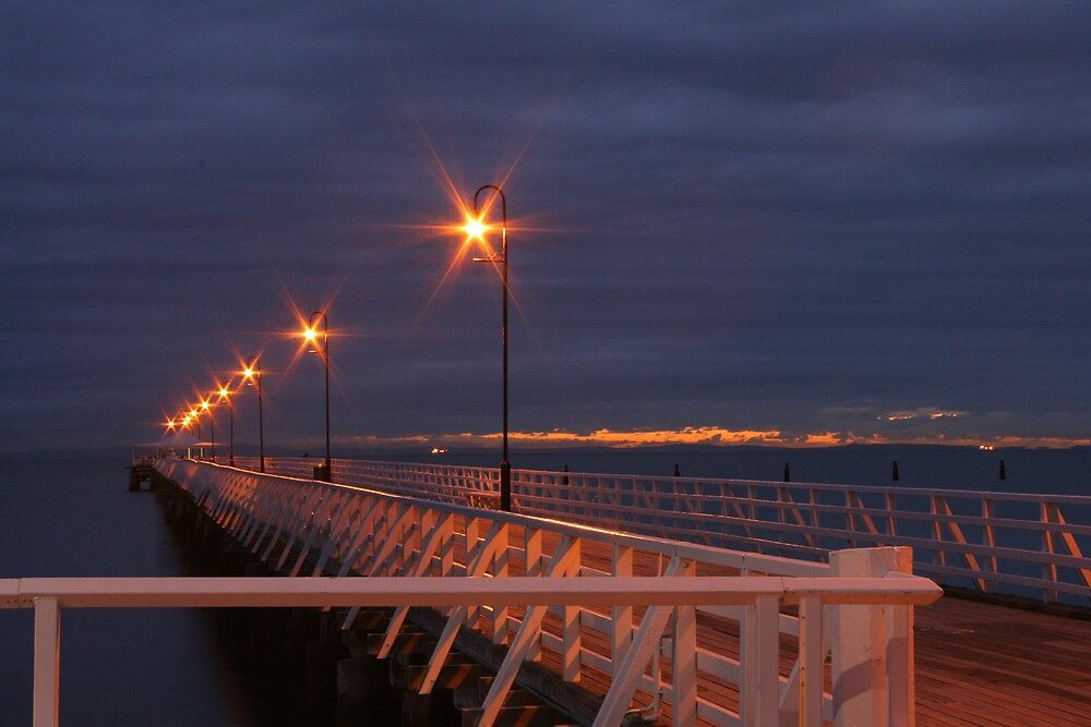 Shorncliffe Jetty by Linda Swadling