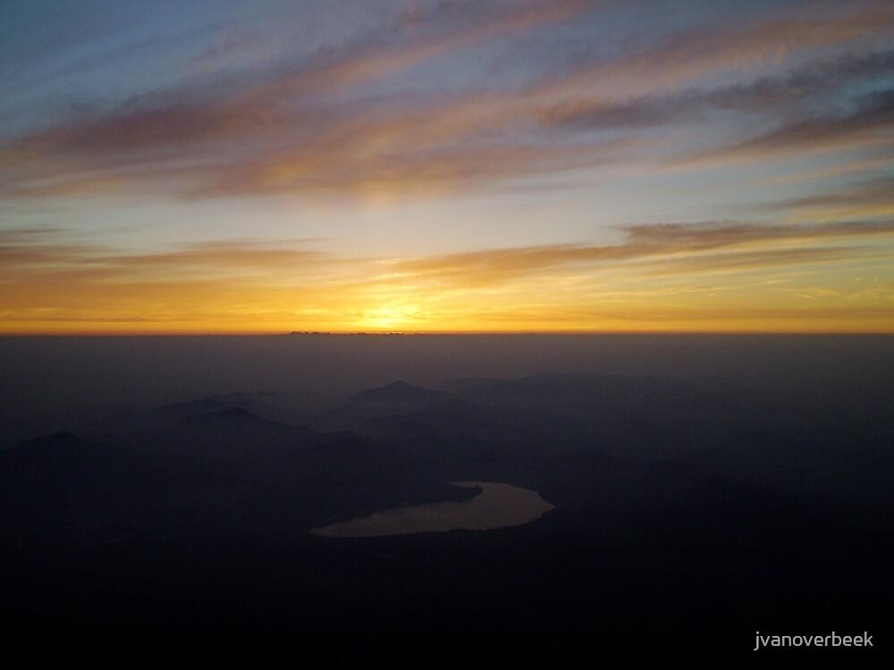 Sunrise over Kawaguchiko by jvanoverbeek