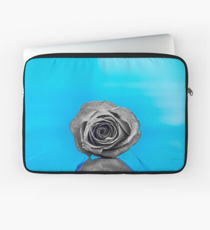 Frozen Heart Laptop Sleeve