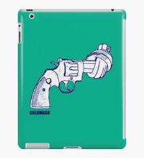 NO WEAPONS NO GUNS iPad Case/Skin