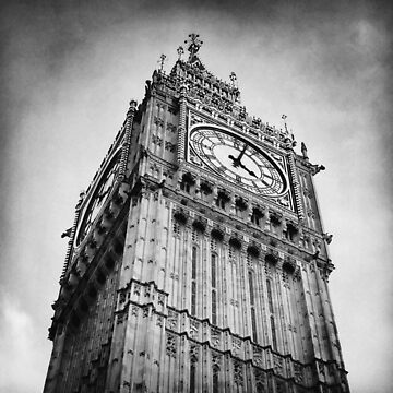 Big Ben in London by BackpackPhoto