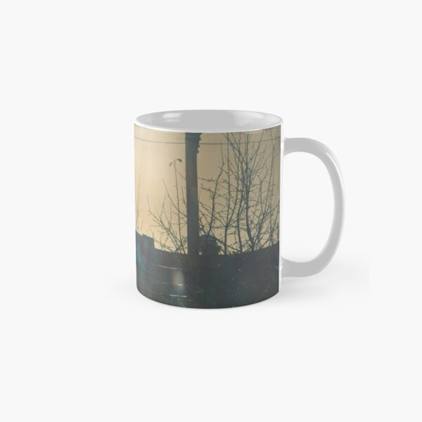 """""""There is a crack in everything. That's how the light gets in.""""  ~ Leonard Cohen Classic Mug"""