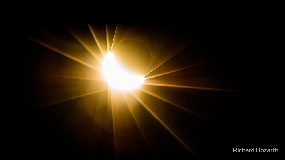 eclipse 004 by Richard Bozarth