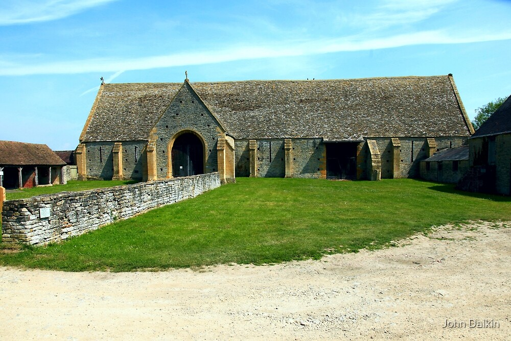 Tithe Barn, Middle Littleton. by John Dalkin