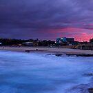Maroubra Beach, Eastern Beaches, Sydney by Matt  Lauder