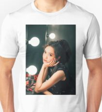 Yoona - SNSD - Holiday Night T-Shirt