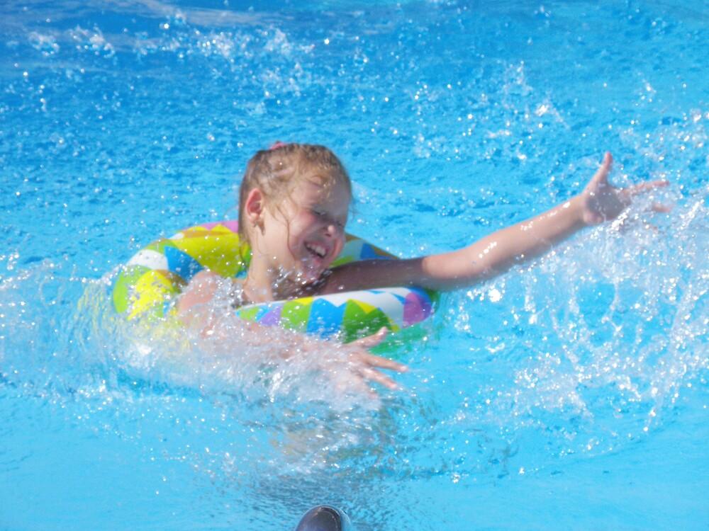 Pool little girl 5 by aquadrift