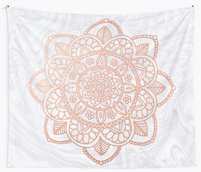 Rose Gold Mandala auf weißem Marmor von julieerindesign