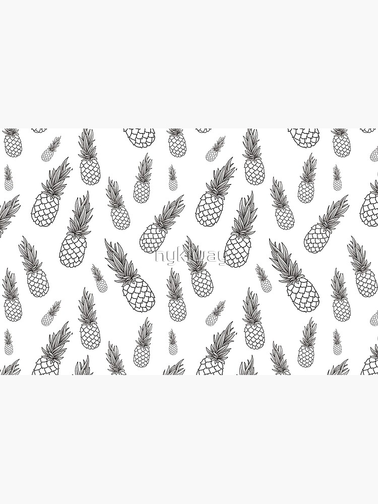 Black and White Pineapple Pattern by nykiway