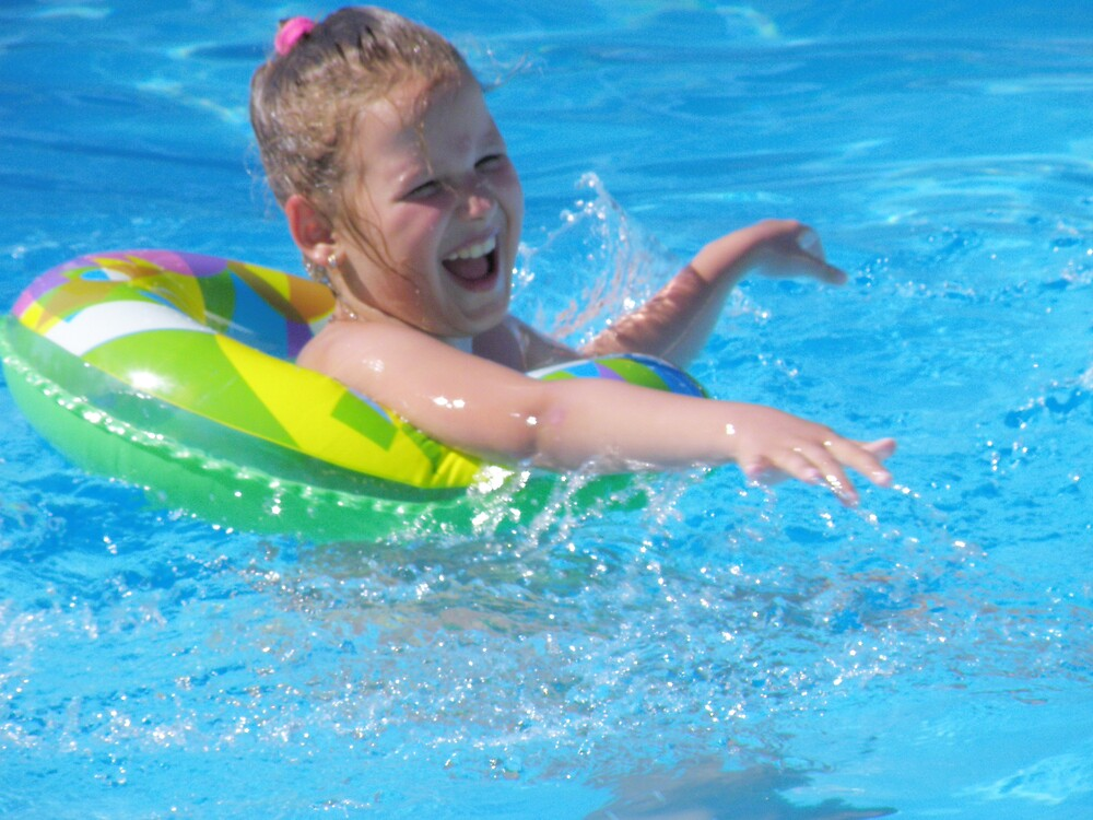 Pool little girl 6 by aquadrift