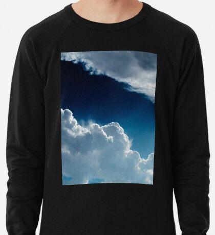 Himmel, Wolken und Lichter. Leichter Pullover