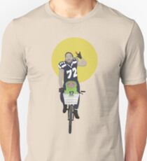 Michael Bennett Does Victory Lap With ET T-Shirt