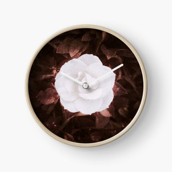 Rose blanche, romantique Horloge