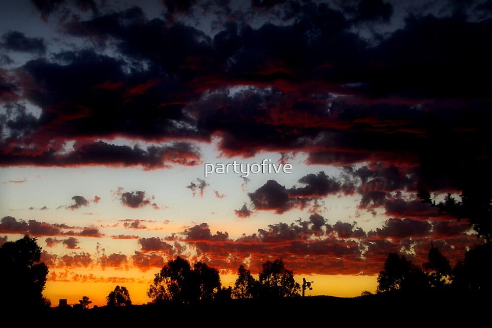 sunset in Yackandandah by partyofive