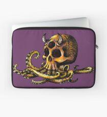 OctoSkull - Cthulhu Skull Octopus Illustration Laptop Sleeve