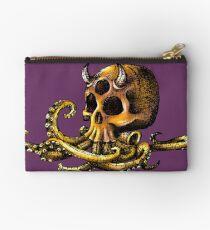 OctoSkull - Cthulhu Skull Octopus Illustration Zipper Pouch