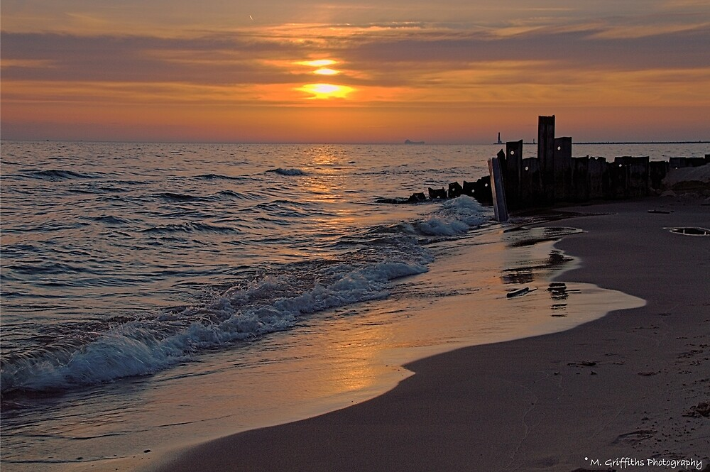 Twilight on Lake Michigan by MGriffiths