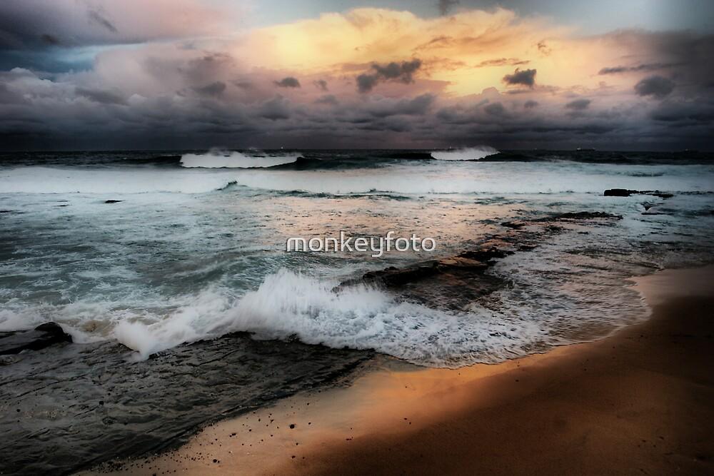 Merewether Beach by monkeyfoto