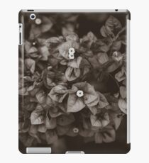 121 - Small world iPad Case/Skin