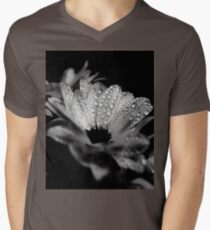 Daisies in black and white T-Shirt