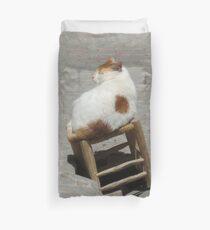 chat en equilibre Duvet Cover