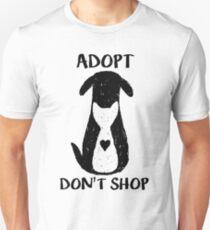 Camiseta ajustada Adoptar no comprar