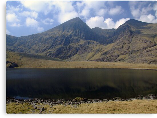 Carrauntoohil in summer by John Quinn