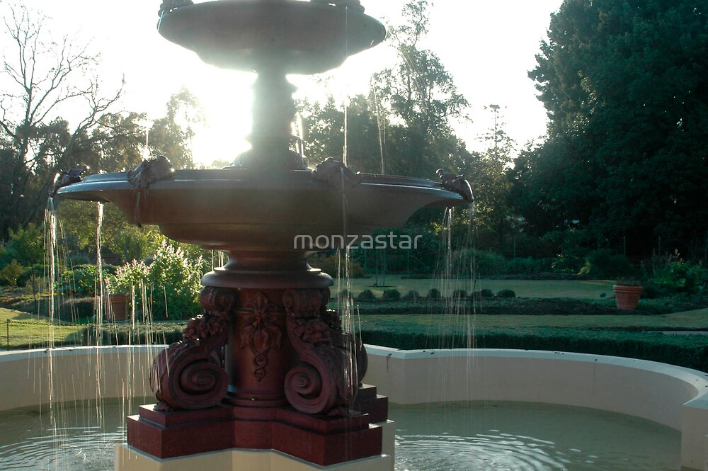 Fountain by monzastar