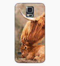 Tender Moment. Highland Cow and Calf. Isle of Skye. Scotland. Case/Skin for Samsung Galaxy
