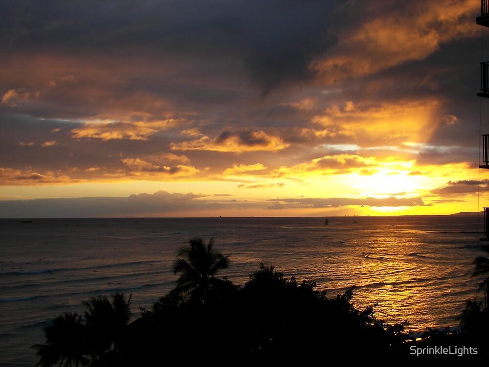 Sunset at Waikiki by SprinkleLights