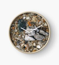 Pebbles in shallow water Clock