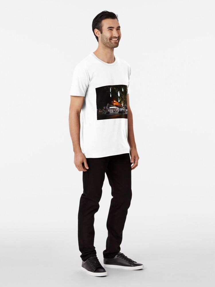 Alternative Ansicht von Hastings nach Einbruch der Dunkelheit Premium T-Shirt
