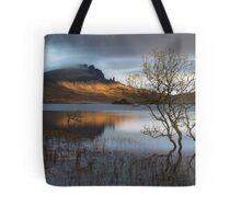 old man of storr sunrise trotternish isle of skye. Black Bedroom Furniture Sets. Home Design Ideas