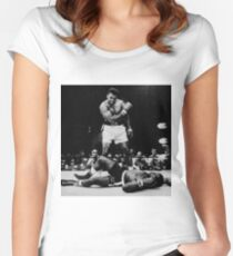 Muhammad Ali Knocks Out Sonny Liston Fitted Scoop T-Shirt