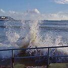 Sea Front Splash by lezvee