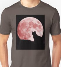 Cat looking at the moon T-Shirt
