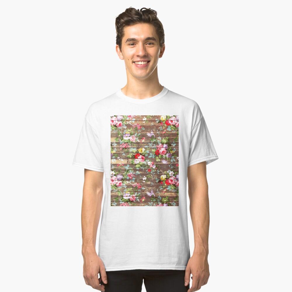 Blumen-rustikales braunes Holz der eleganten rosa Rosen Classic T-Shirt