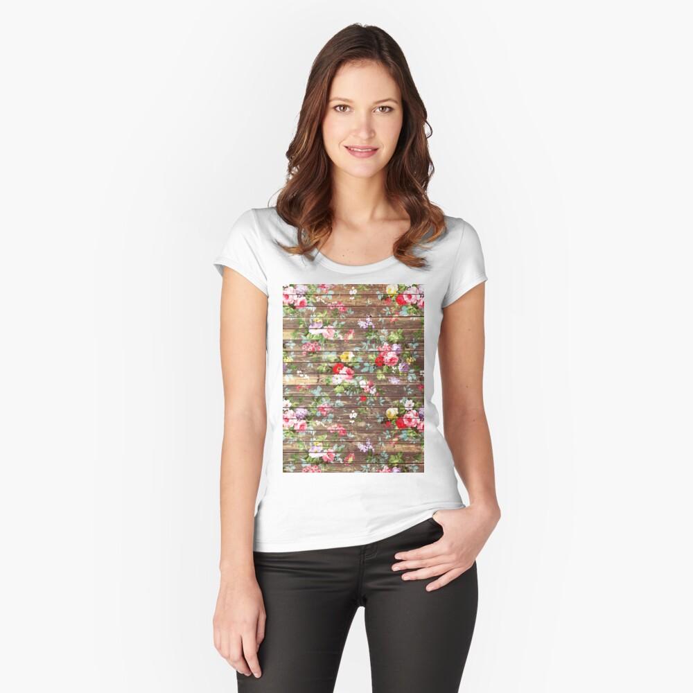 Blumen-rustikales braunes Holz der eleganten rosa Rosen Tailliertes Rundhals-Shirt