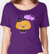 Halloween pumpkin in witch costume Women's Relaxed Fit T-Shirt