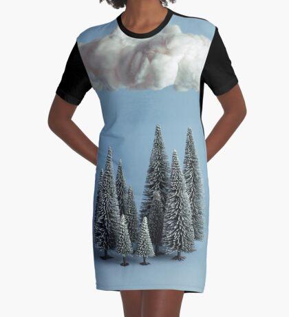 Eine Wolke über dem Wald T-Shirt Kleid