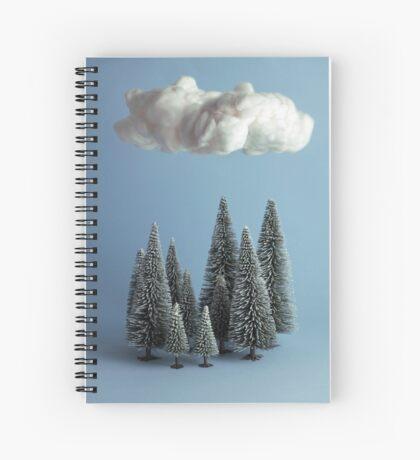 Eine Wolke über dem Wald Spiralblock