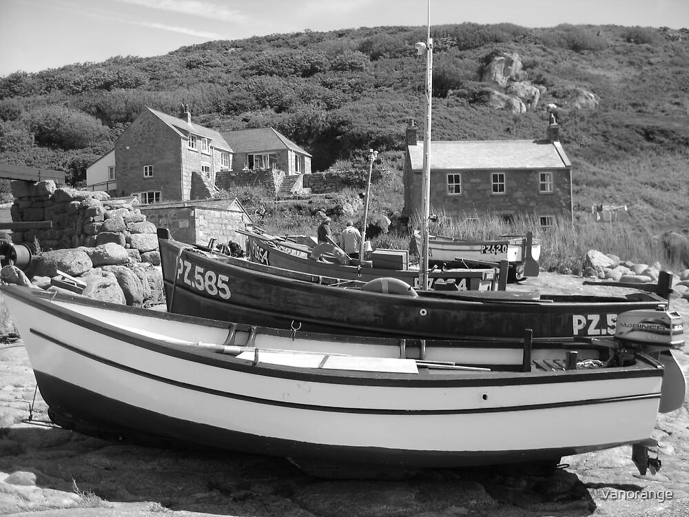 Penberth Cove, Cornwall by vanorange