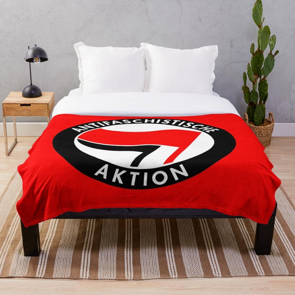 Antifaschistische Aktion Throw Blanket
